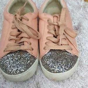 💝💝 Sneaker